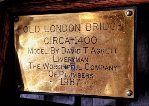 london-bridge-model-plaque.jpg